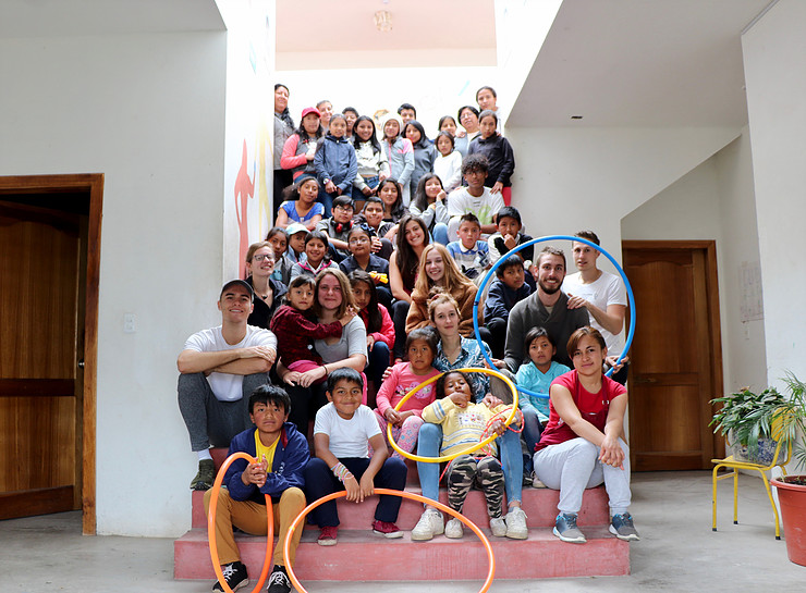 "Visita de ""Children World Tour"""